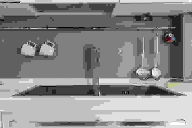 Modern style kitchen by zero6studio - Studio Associato di Architettura Modern
