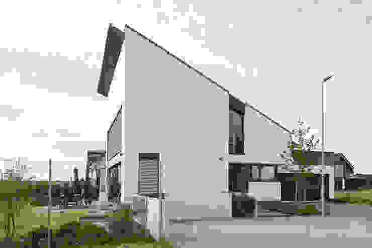 Architekturbüro J. + J. Viethen Modern houses