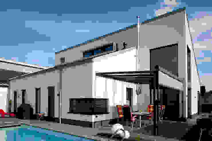Houses by Architekturbüro J. + J. Viethen,