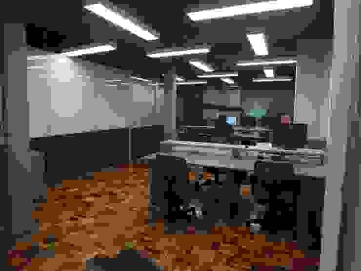 Departamento de Desenvolvimento Escritórios modernos por Arketing Identidade e Ambiente Moderno