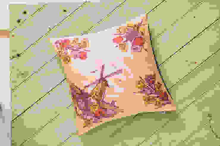 Silk Memento Cushion - Holland: classic  by RE, Classic