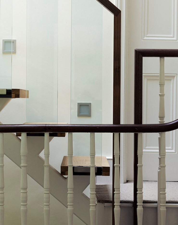 Milman Road - staircase detail Modern corridor, hallway & stairs by Syte Architects Modern