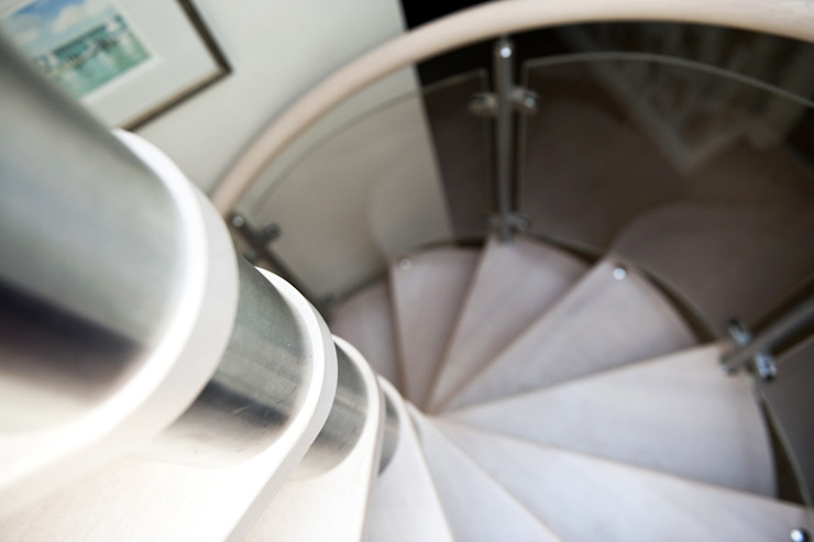 Spiral Staircase Lee on Solent por Complete Stair Systems Ltd Moderno