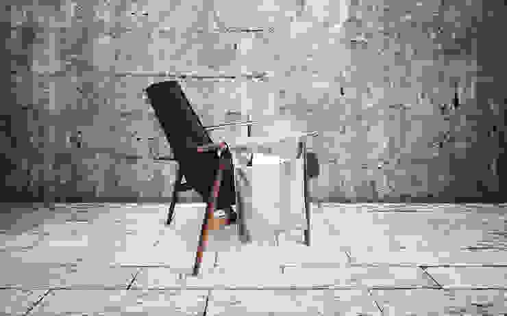 Diakon - Polish armchair from 60s EDIT by homify Iндустріальний