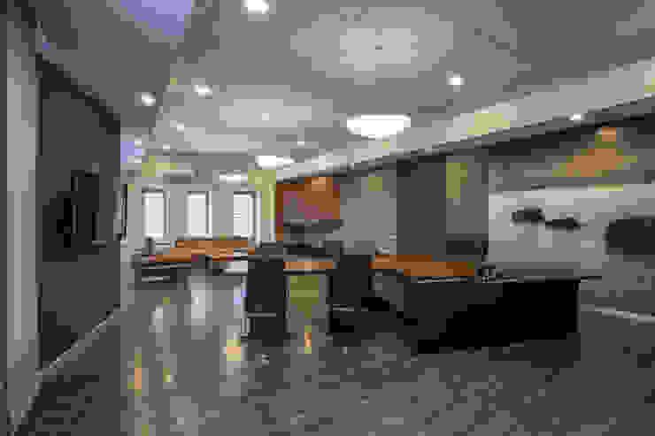 S19 Компания грузоперевозок от BONA Architecture & Interior - ООО 'Архитектурное Бюро БОНА'