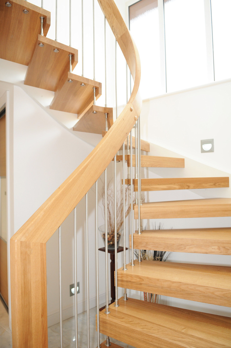 Floating Staircase Southampton: modern  by Complete Stair Systems Ltd, Modern