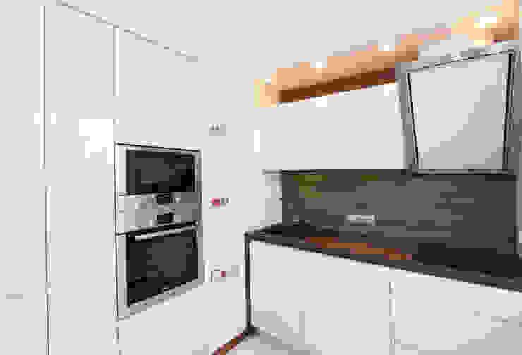От дизайн проекта до готового объекта/фотография реализованного проекта Кухня в стиле минимализм от LD design Минимализм