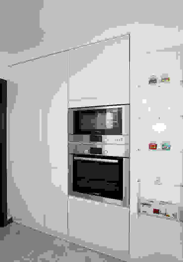 От дизайн проекта до готового объекта Кухня в стиле минимализм от LD design Минимализм