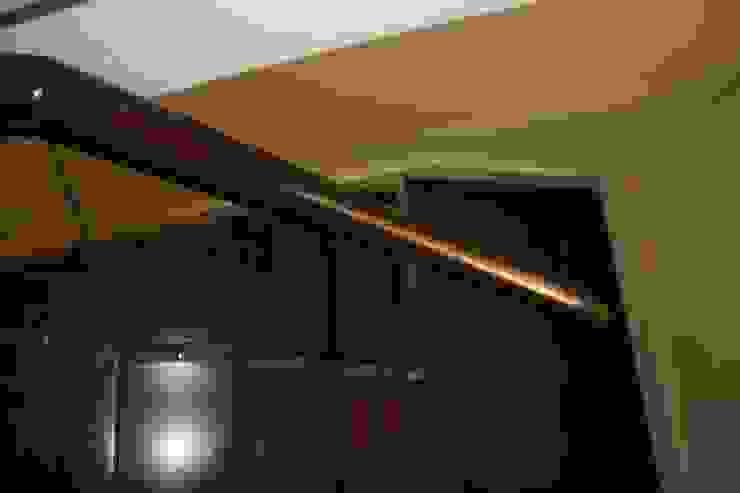AYAYAPITASARIM Corridor, hallway & stairsStairs