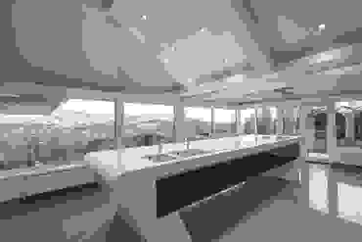 MR & MRS MORLEY'S KITCHEN Modern kitchen by Diane Berry Kitchens Modern