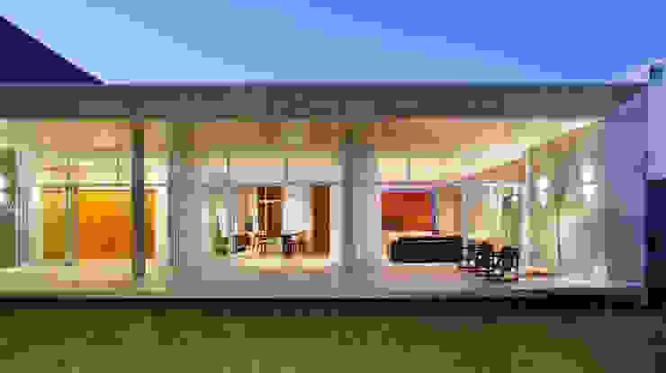 Casas de estilo  por Skylab Arquitetos, Minimalista Concreto
