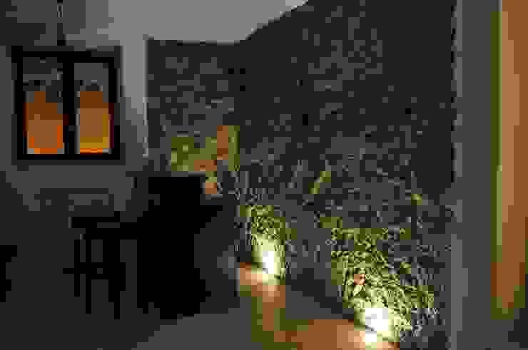 Zona bar Cantina moderna di LORENZO RUBINETTI DESIGN Moderno