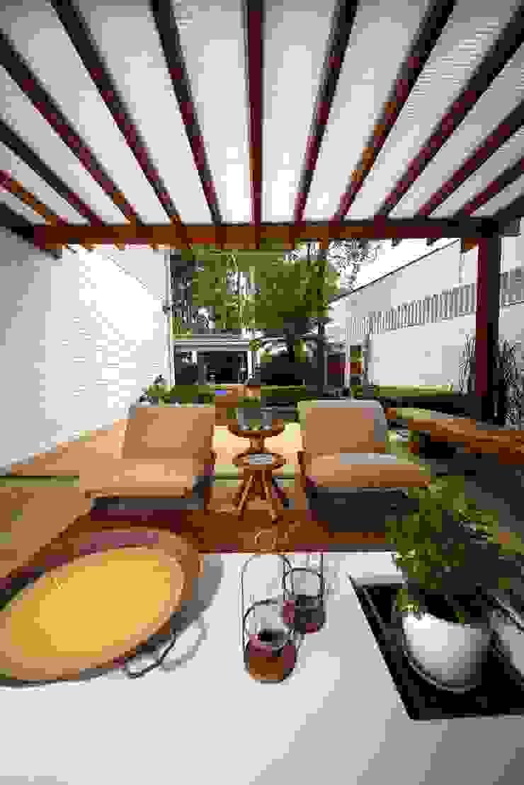 Modern Terrace by MeyerCortez arquitetura & design Modern
