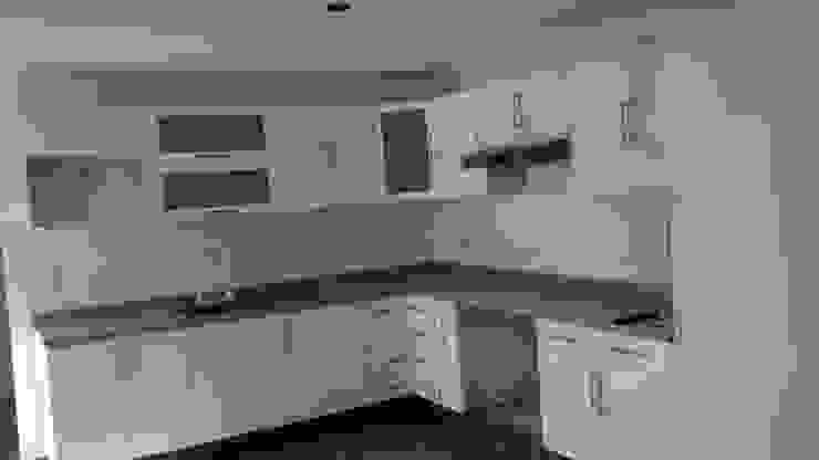 Modern kitchen by seventh studio intrior Modern