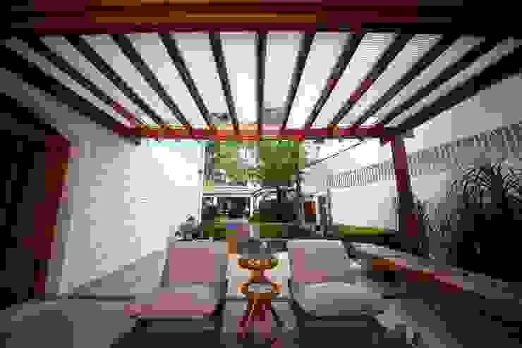 Varandas, marquises e terraços modernos por MeyerCortez arquitetura & design Moderno