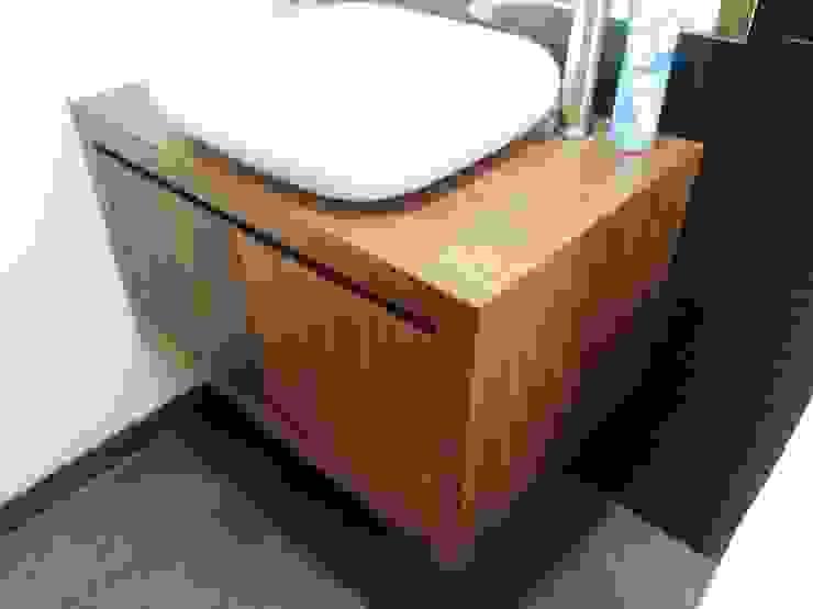 Minimalist style bathroom by seventh studio intrior Minimalist