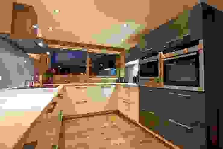 Кухня в стиле кантри от shep&kyles design Кантри