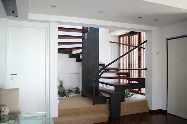 Moderner Flur, Diele & Treppenhaus von PARIS PASCUCCI ARCHITETTI Modern