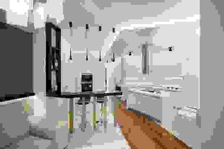 Квартира по ул. Февральской Революции Кухня в стиле минимализм от Галина Глебова Минимализм