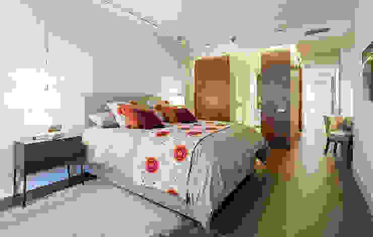 Suite principal Dormitorios de estilo moderno de DyD Interiorismo - Chelo Alcañíz Moderno