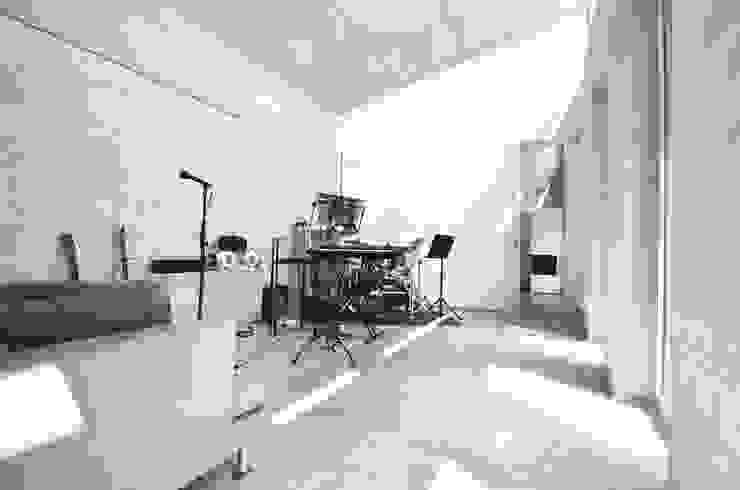モダンデザインの 多目的室 の KERSCH + HANSEN ARCHITEKTEN モダン