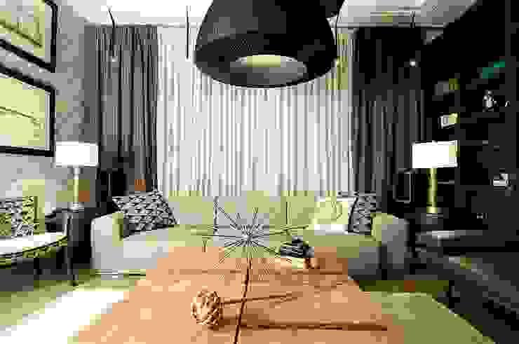 Новогорск 2 Медиа комнаты в эклектичном стиле от Roomsbyme Эклектичный