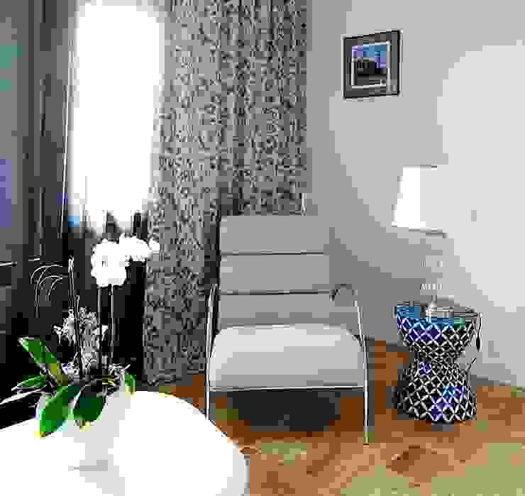 хозяйская спальня Спальня в эклектичном стиле от Roomsbyme Эклектичный