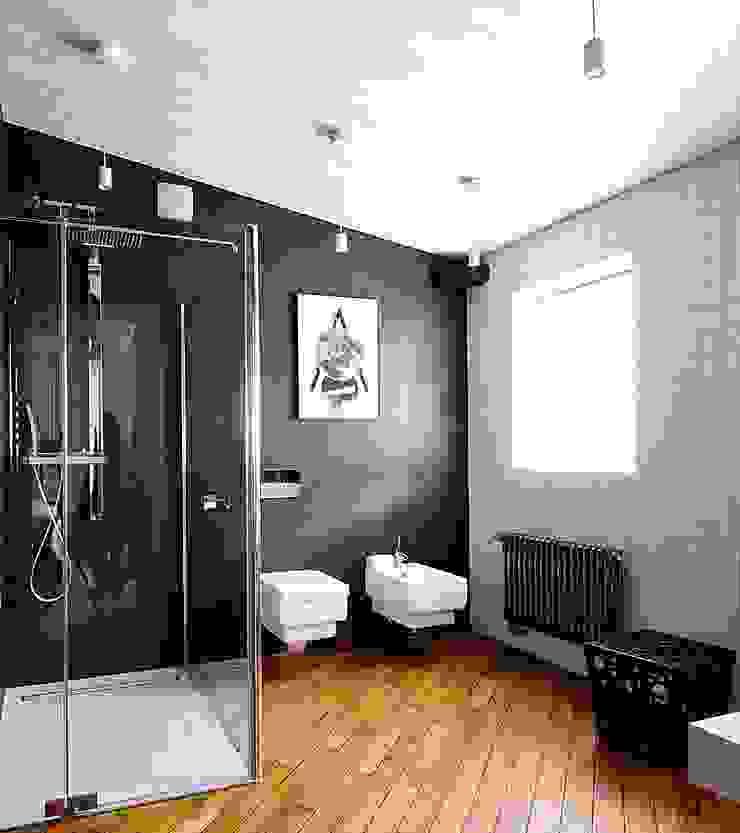 хозяйский санузел Ванная комната в стиле минимализм от Roomsbyme Минимализм
