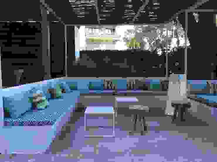 Terraza Hotel Palmasol Hoteles de estilo mediterráneo de DyD Interiorismo - Chelo Alcañíz Mediterráneo