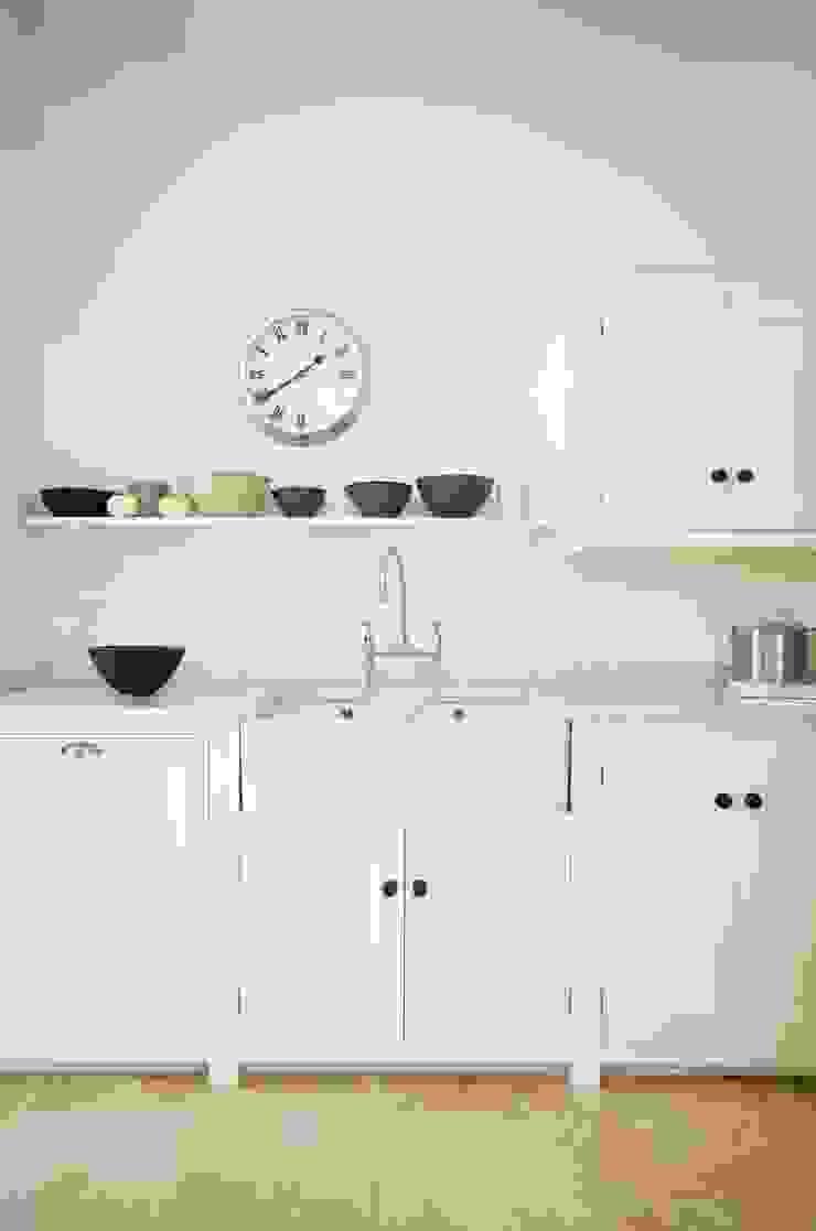 The Tunbridge Wells Shaker Kitchen by deVOL Classic style kitchen by deVOL Kitchens Classic
