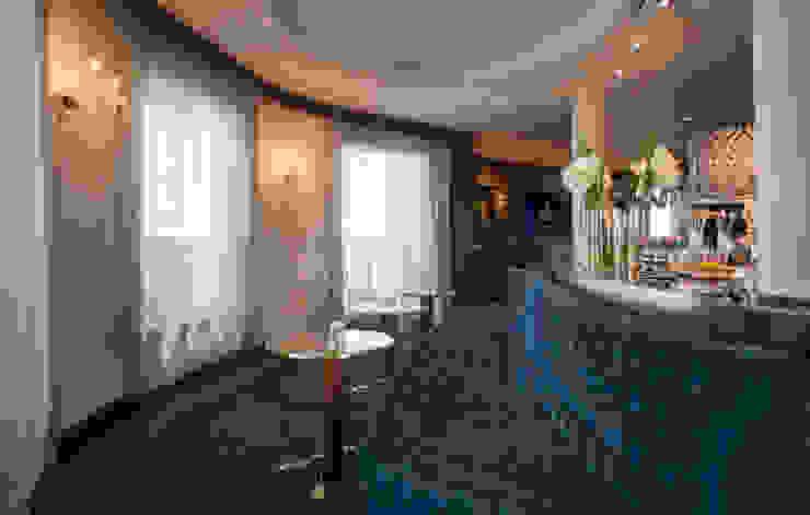Salón VIP Hoteles de estilo clásico de DyD Interiorismo - Chelo Alcañíz Clásico