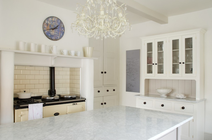 The Foxton Classic English Kitchen by deVOL Country style kitchen by deVOL Kitchens Country