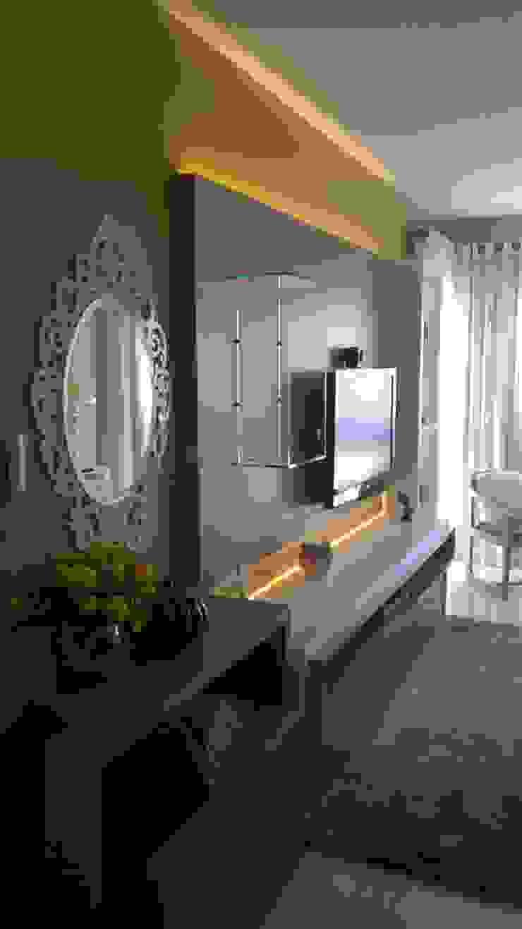 sala tv Salas de estar modernas por casulo arquitetura design Moderno