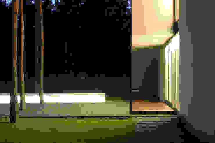 Modern Houses by Ingarden & Ewý Architekci Modern