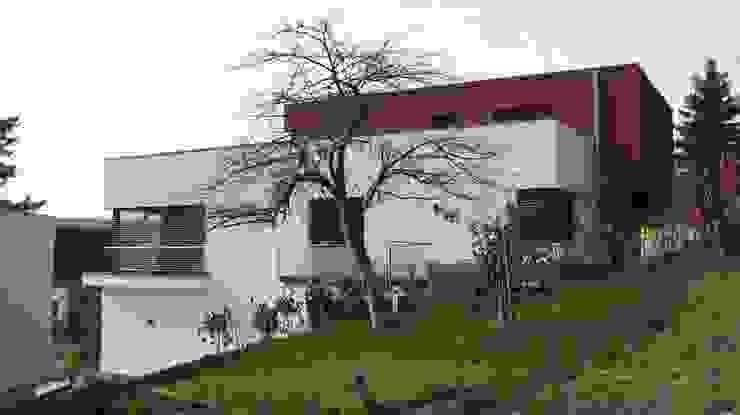 Ostansicht Moderne Häuser von ETB BAUPROJEKT Jena GmbH Modern