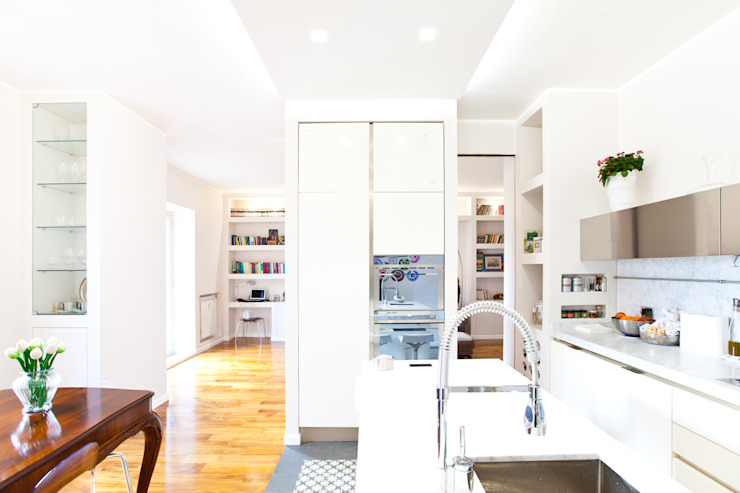 CASA DB Cucina moderna di DFG Architetti Associati Moderno