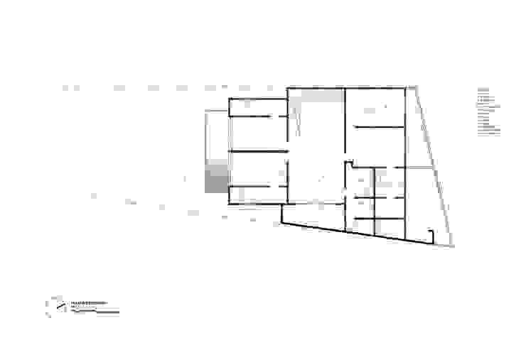 Planta Sotano de Diez y Nueve Grados Arquitectos Moderno