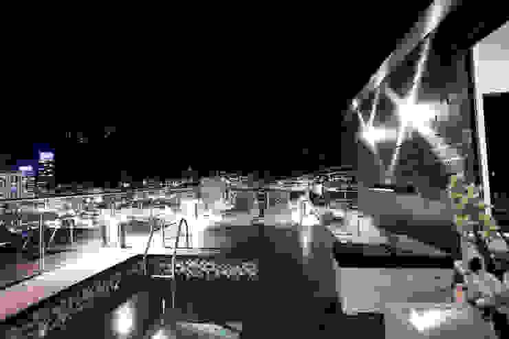 Vista Panorámica Piletas modernas: Ideas, imágenes y decoración de Diez y Nueve Grados Arquitectos Moderno