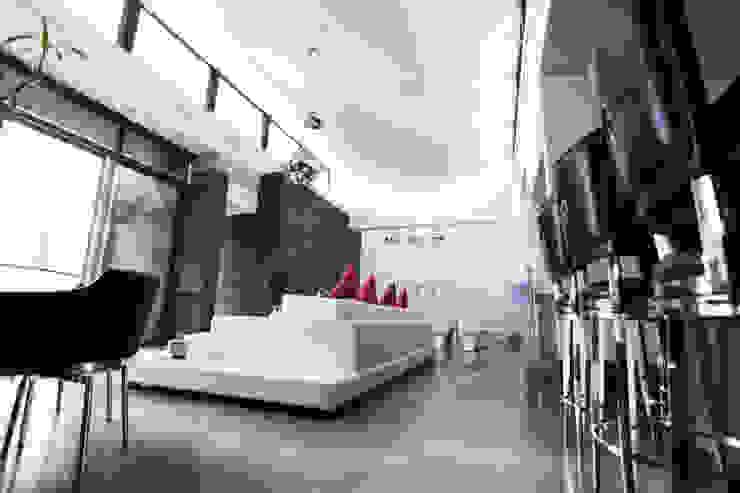 Vista de espacio interior Livings modernos: Ideas, imágenes y decoración de Diez y Nueve Grados Arquitectos Moderno