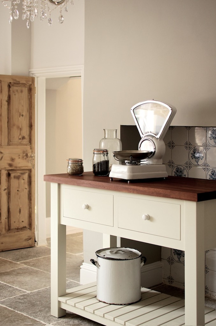 The Wymeswold Shaker Kitchen by deVOL by deVOL Kitchens Country