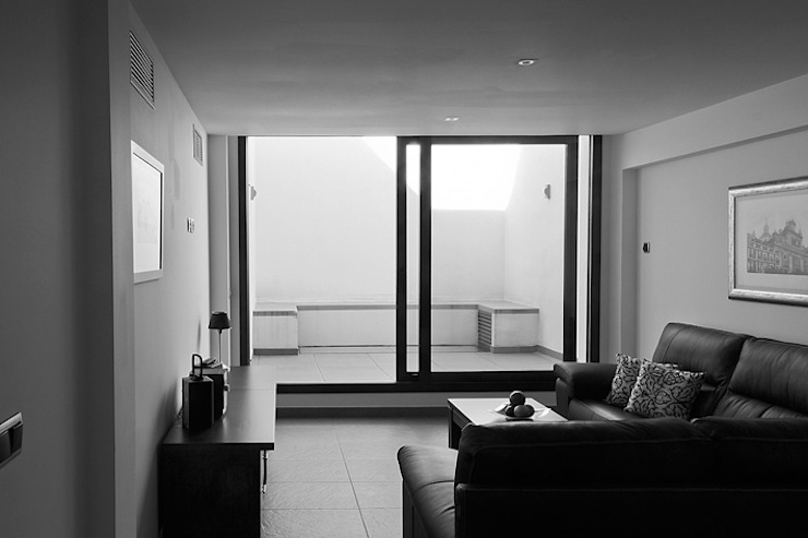 Modern Living Room by Dogares Modern