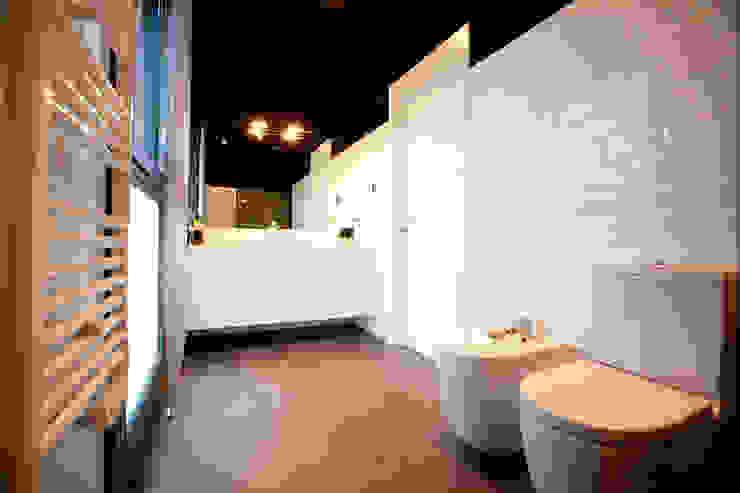 Modern bathroom by hormak Modern