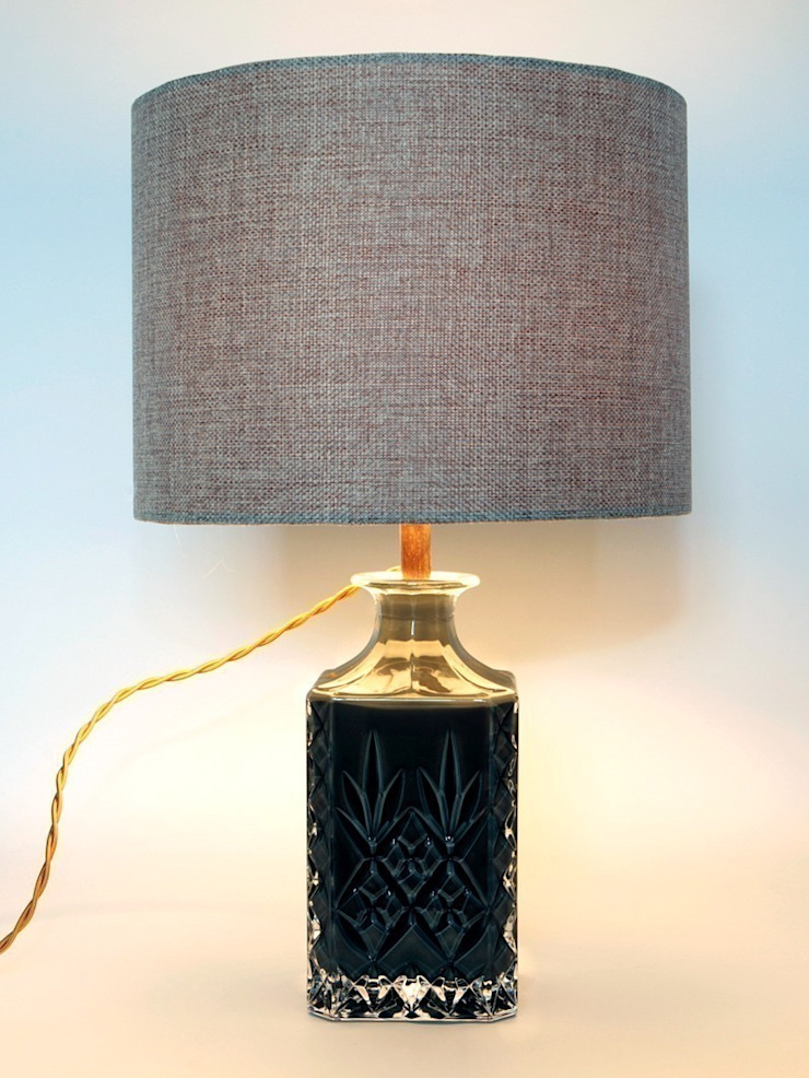 Khakhi Cut Crystal Decanter Lamp: eclectic  by Luku Home, Eclectic