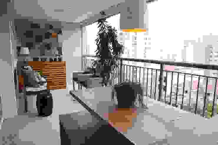 Terrazas de estilo  por MeyerCortez arquitetura & design