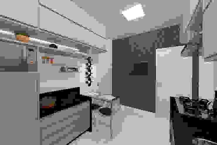 Moderne Küchen von Konverto Interiores + Arquitetura Modern