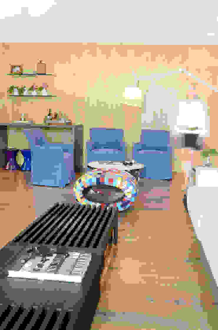 Apartamento Madeira Salas de estar modernas por Coutinho+Vilela Moderno