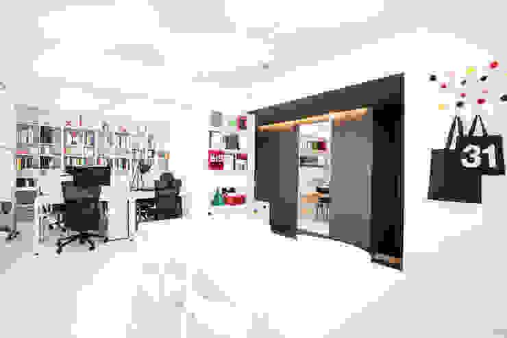 Graphicvirus _그래픽디자인스튜디오: 지오아키텍처의  서재 & 사무실,모던