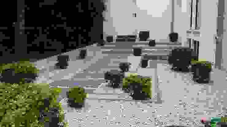 Taman oleh SUD[D]EN Gärten und Landschaften, Modern