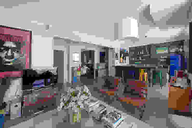 غرفة المعيشة تنفيذ Hélène de Tassigny, إنتقائي