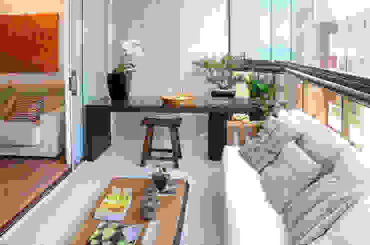 Apartamento Madeira Varandas, alpendres e terraços modernos por Coutinho+Vilela Moderno